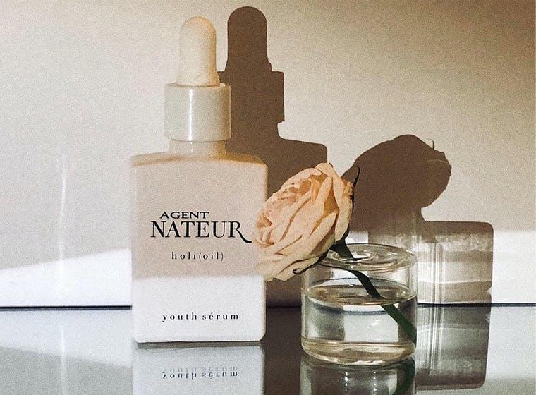 Agent Nateur brand shot